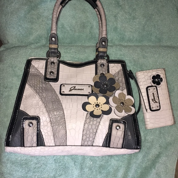Guess Bags | Black Cream Flower Purse W Matching
